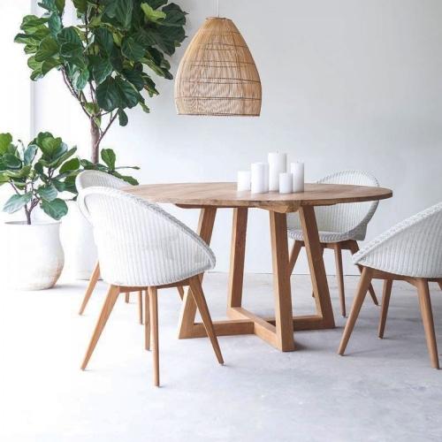 Обеденный стол из массива дерева (1036)